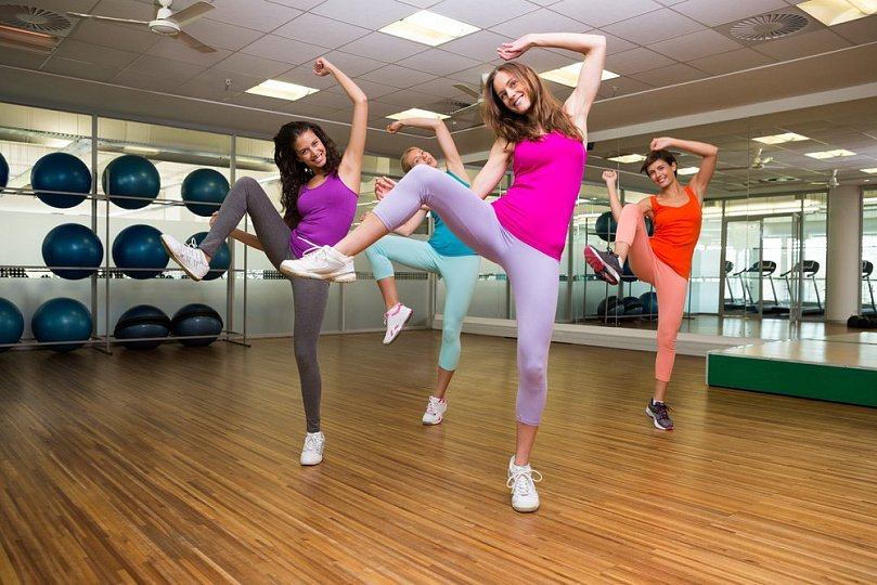 Zumba fitness for beginners: types and basics classes